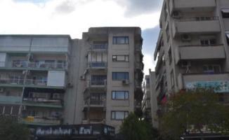İzmir'de Dolgu Zemine İnşa Edilen Binalar Birbirinin Üzerine Eğildi! Tehlike Çanları Çalıyor!
