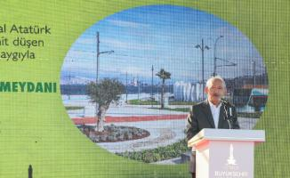 İzmir'de 15 Temmuz Demokrasi Şehitleri Meydanı açıldı