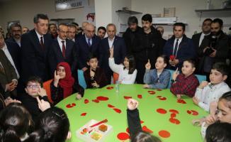 Milli Eğitim Bakanı Selçuk'tan Matematik Müzesine ziyaret