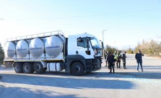 Niğde'de midibüsle süt tankeri çarpıştı: 7 yaralı