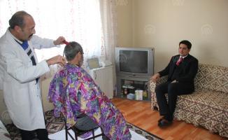 Sivas'ın Zara ilçesinde KOAH hastalarına evde kuaförlük hizmeti