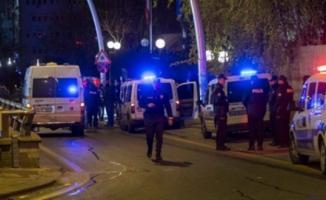 Ankara'da Cumhur İttifakı Seçim Bürosu'na Saldırı Düzenlendi- Cumhur İttifakı Seçim Bürosu Saldırı