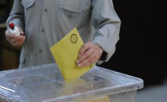 İzmir'de Oylar Sayılıyor ! İşte Adayların Aldığı Oy Oranları