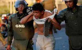 Venezuela'da Okullar Tatil, Kamu Özel İşyerleri Çalışmayacak ! Yağmalama Başladı