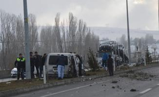 Ağrı'da Feci Kaza- Ölü Ve Yaralılar Var