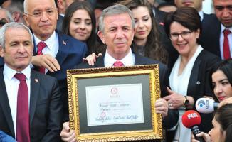 Ankara Büyükşehir Belediyesi Twitter Hesabı Binali Yıldırım'ı Takipten Çıktı