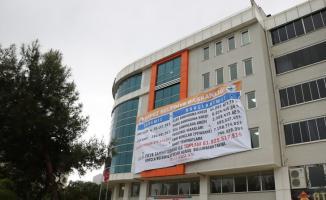 CHP'de Afiş Krizi: Başkanlar Birbirine Girdi