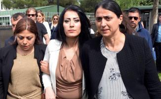 'Çocuklar Ölmesin' Diyen Ayşe Öğretmen Yeniden Cezaevinde