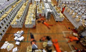 Endonezya'da Yapılan Seçimde Aşırı Yorgunluktan Ölen Sandık Görevlisi Sayısı 272'ye Yükseldi!