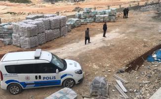 Gaziantep'te İntihar Girişimi! İki Lise Öğrencisi El Ele Tutuşup İnşaattan Atladı!