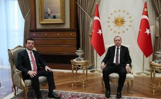 İBB Başkanı Ekrem İmamoğlu, Cumhurbaşkanı Erdoğan'ı Havalimanında Karşıladı