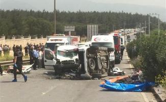 İzmir'de Feci Trafik Kazası! 4'ü Çocuk Olmak Üzere Toplam 7 Kişi Yaşamını Yitirdi!