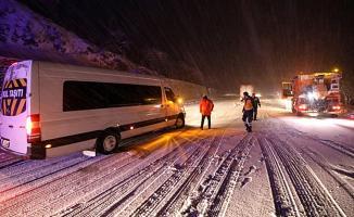 Kar Yağışı Malatya- Darende Yolunda Ulaşıma Engel Oldu!