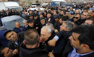 Son Dakika! Kemal Kılıçdaroğlu'na Saldırarak Yumruk Atan Kişi Yakalandı