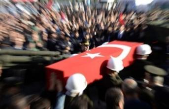Acı haber! Hakkari'de PKK'lı teröristlerin havan saldırısıyla 1 asker şehit oldu