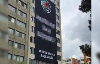 Ankara Barosu'ndan YSK binasının tam karşısına dev protesto pankartı