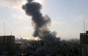 İsrail Ordusu Gazze'de AA Ofisinin Bulunduğu Binayı Vurdu!