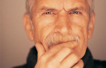 Usta yönetmen Yavuz Özkan yoğun bakıma alındı