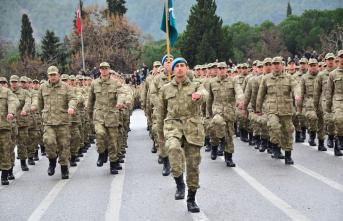Yeni askerlik sistemi meclisten geçtiğinde silah altındakiler terhis olacak mı?