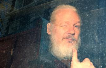 ABD WikiLeaks'in kurucusu Julian Assange'ın iadesi için resmi talepte bulundu