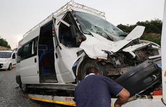 Muğla'nın Yatağan ilçesinde meydana gelen trafik kazasında, 14 taşeron işçi yaralandı!