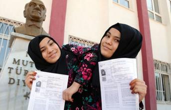 Siyam İkizlerinin YKS Heyecanı! Türkiye'de Bir İlk Gerçekleşti