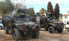 Diyarbakır'ın Yenişehir İlçesinde Zırhlı Polis Aracına El Yapımı Patlayıcı (EYP) ve Silah İle Saldırı Düzenlendi! Yaralılar Var