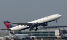 Kanada İle Avustralya Seferini Yapan Yolcu Uçağı Türbulansa Girdi: 30 Kişi Yaralandı!