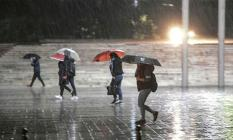 Meteoroloji'den Şiddetli Yağış Açıklaması: Ani Sel, Su Baskını ve Yıldırım Uyarısı