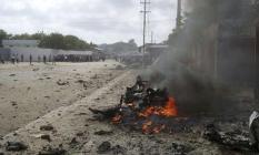 Somali'nin Başkenti Mogadişu'da Bombalı Saldırı! 10 Ölü, 30 Yaralı!