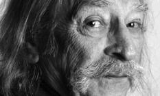 Ünlü Grafik Tasarımcısı ve Akademisyen Yurdaer Altıntaş Hayatını Kaybetti!