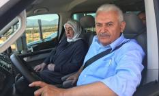 Binali Yıldırım kendi aracıyla İstanbul-İzmir otoyolunu kullandı!