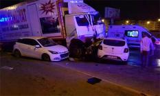 Hatay İskenderun'da son dakika trafik kazası! Freni patlayan kamyon, ışıkta bekleyen 11 aracı biçti