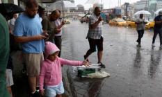 Meteorolojiden İstanbul için şiddetli sağanak yağış ve sel uyarısı! İstanbul'da tüm vapur seferleri iptal edildi