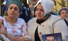 """Ahmet Hakan'dan Bakan Selçuk'a: """"Diyarbakır HDP İl Binası önünde herkes oturur ama devlet oturamaz."""""""