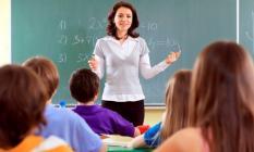 Bu haber öğretmenlerin yüzünü güldürecek: Kırtasiye ücretiniz bankada hazır