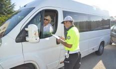 Okul servisi denetimlerinde 346 okul servisine trafikte men cezası