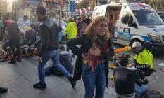 Son Dakika! Beşiktaş Meydanı'nda bir otobüs durağa daldı! 2'si ağır 13 yaralı