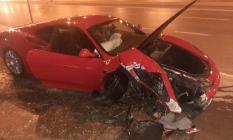 Ünlü manken Cansu Taşkın trafik kazası geçirdi!