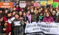 'Çocuk istismarına af' protestosu: Vatandaş sokağa döküldü!