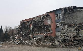 Elazığ'da yıkılan binalara soruşturma! Ruhsat ve kroki planları istendi