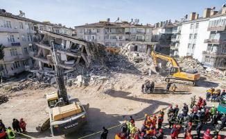 Elazığ ve Malatya'da yıkılan binalara soruşturma açıldı!