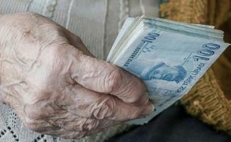 Emekliler için zamlı maaş ödemesi belli oldu!