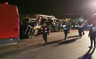 Kocaeli'nin Körfez ilçesinde feci kaza! 2 ölü, 8 yaralı