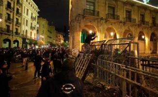Lübnan'ın başkenti Beyrut'ta protesto ve olaylar sürüyor! Yaralı sayısı 400'ü aştı