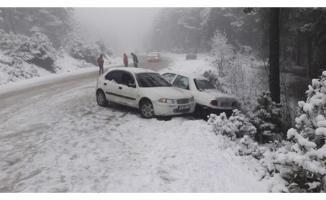 Osmaniye'de Zorkun Yaylasına kar görmeye gidenler yoğun kar yağışı nedeniyle yolda mahsur kaldı