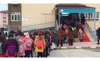 Elazığ'da haftalar sonra 126 bin öğrenci için ders başladı!