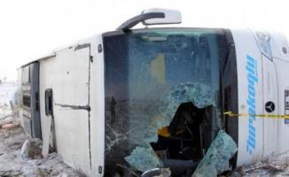 Erciyes Kayak Merkezi'ne gidenleri taşıyan otobüs devrildi! 43 yaralı var