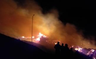 Erzurum'un Oltu ilçesinde büyük yangın! 10 ev kül oldu