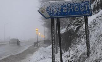 İstanbul'da 3 gün boyunca kar yağışı bekleniyor! 3 il için fırtına uyarısı